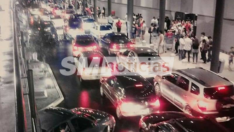Caos Por Amenaza De Bomba En El Shopping Terrazas De Mayo