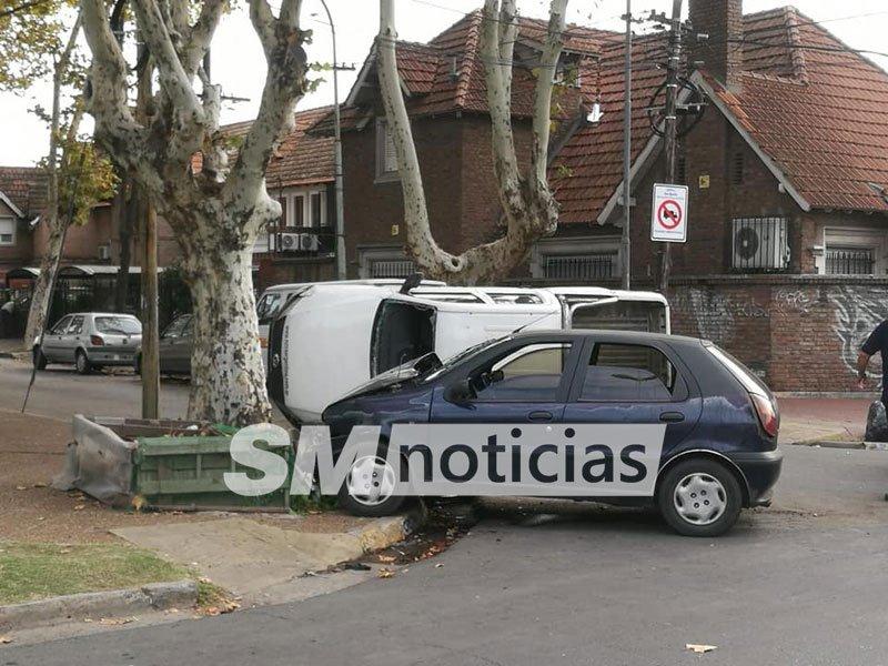 Impactante choque en San Andrés: Los vecinos denuncian continuas imprudencias