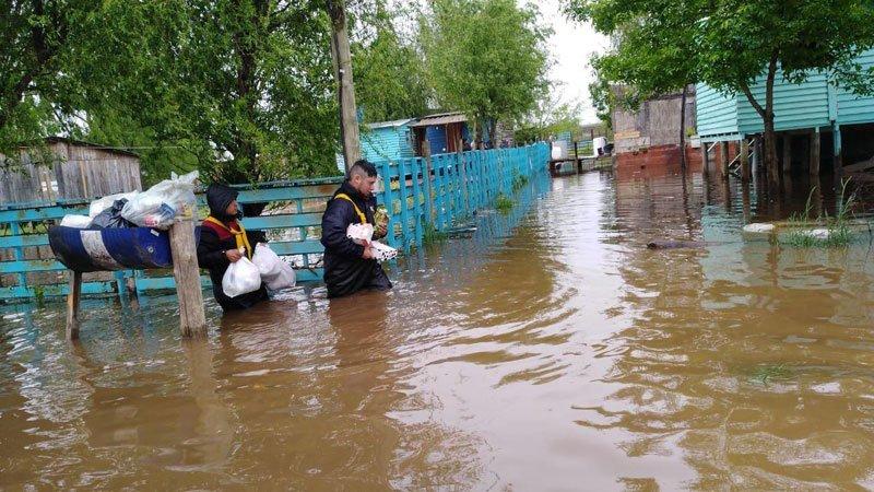 Ya son 61 los evacuados por las inundaciones en Pilar