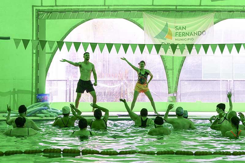 Gran encuentro de gimnasia acuática para personas con discapacidad en San Fernando - SMnoticias