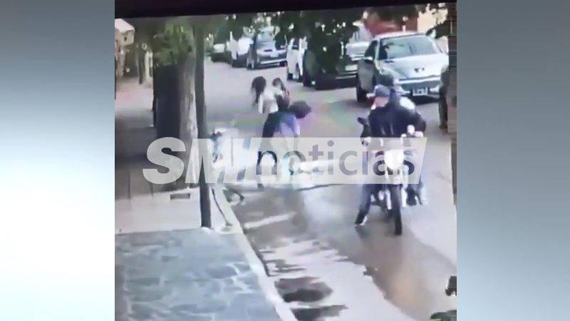 Otra de motochorros: Así atacaron a una vecina de Merlo que se defendió y evitó el robo