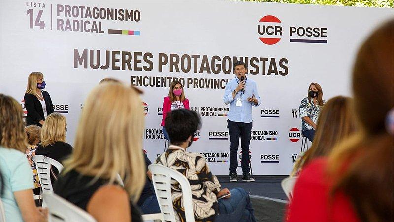 Ituzaingó: Multitudinario acto de mujeres radicales en apoyo a Gustavo Posse  - SM Noticias